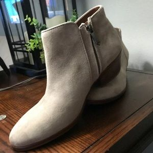 Sam Edelman Shoes - Sam Edelman Petty Chelsea Ankle Boot Bootie-Size 6